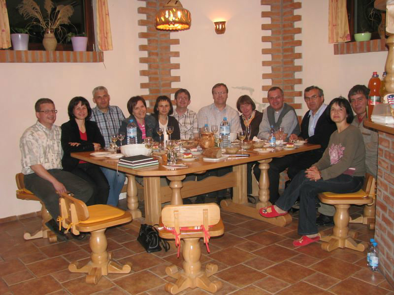 Ob 10 obletnici delovanja zakonske skupine se je našemu srečanju pridružil takratni murskosoboški škof g. Marjan Turnšek